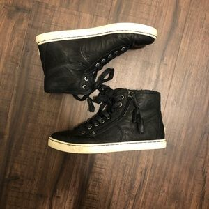 Ugg black leather sneaker size 7